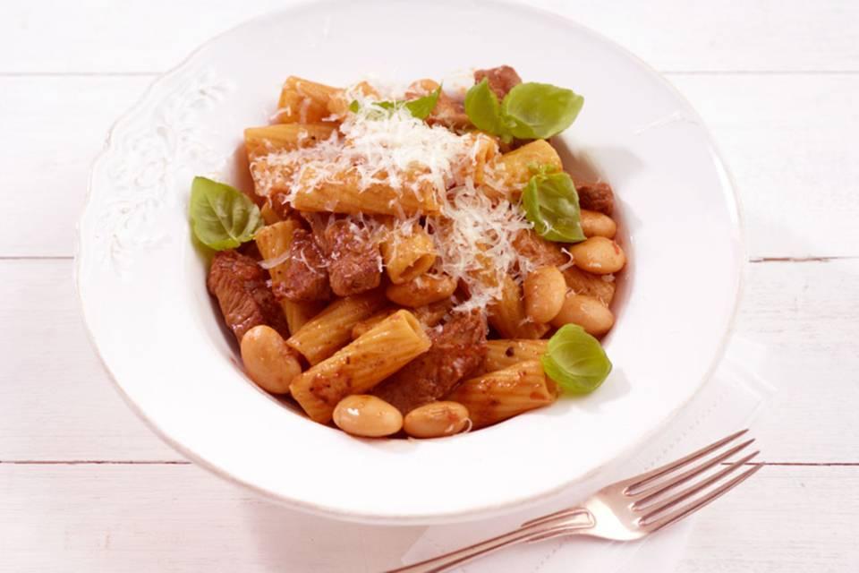 Rindfleisch-Bohnen-Pasta Rezept