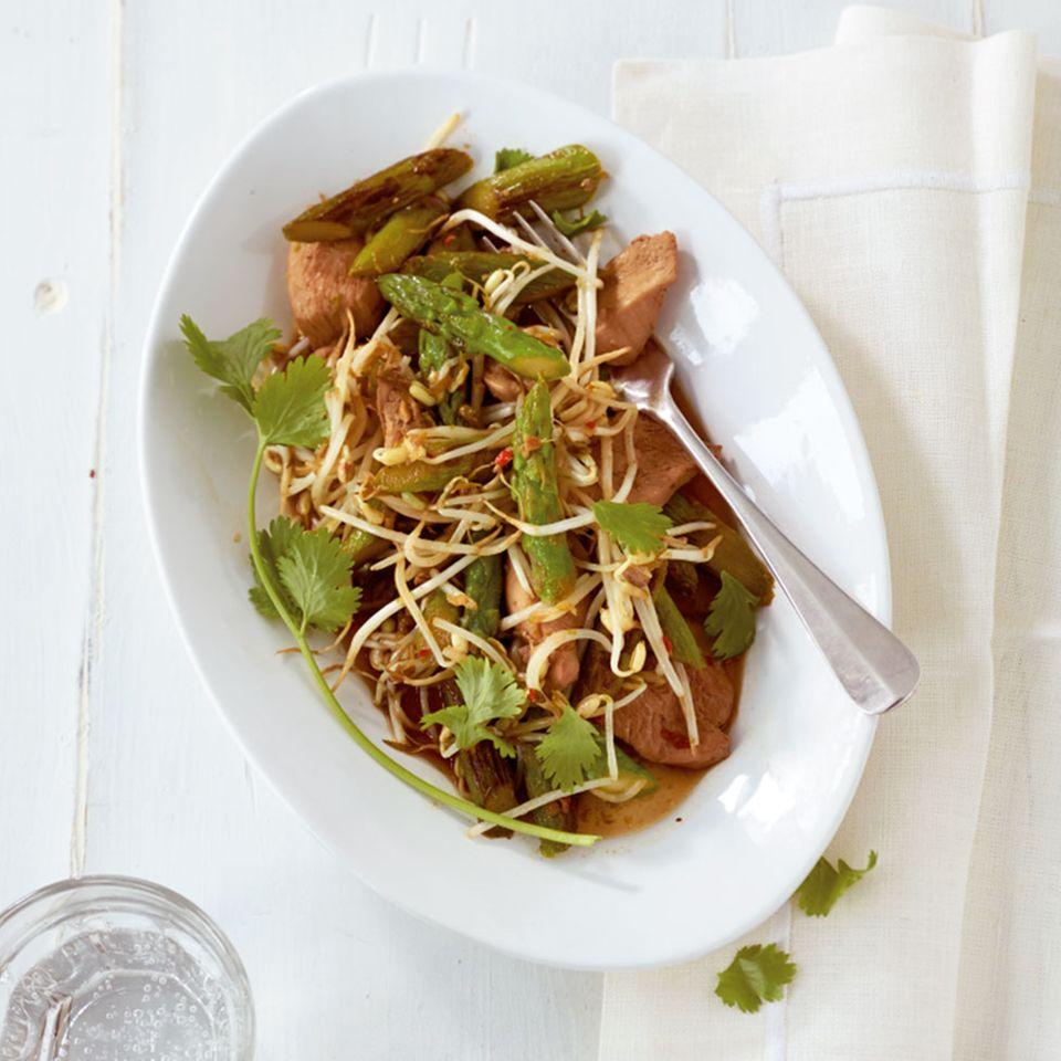 Asiatische Hähnchen-Spargel-Pfanne