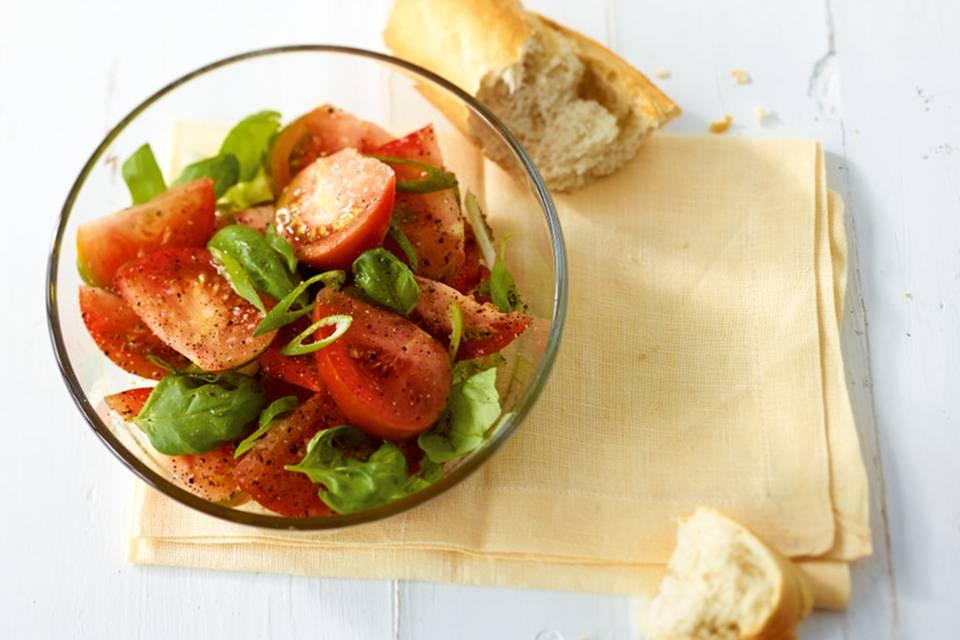 Tomaten-Basilikum-Salat Rezept