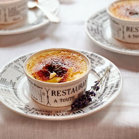 Crème brûlée mit Lavendel