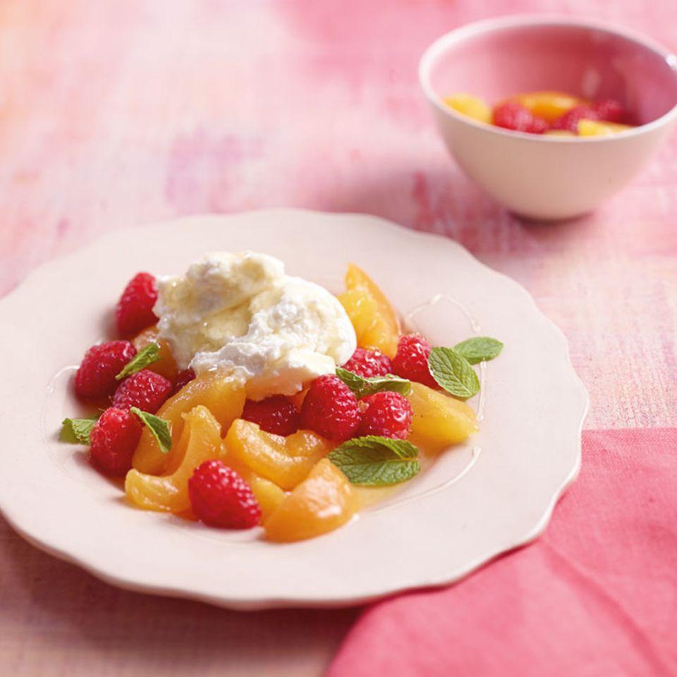 Marinierte Früchte mit Ricotta