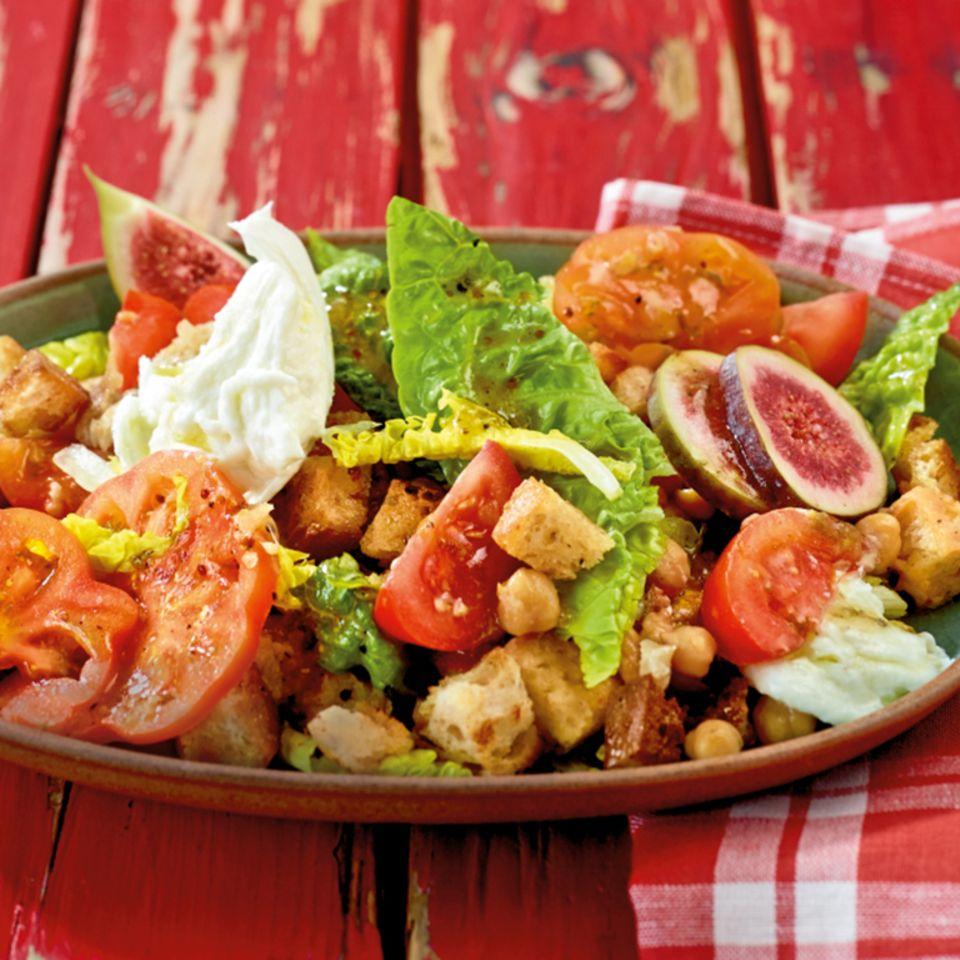 Tomaten-Brot-Salat mit Feigen