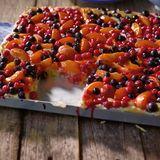 Obst-Marzipan-Blechkuchen