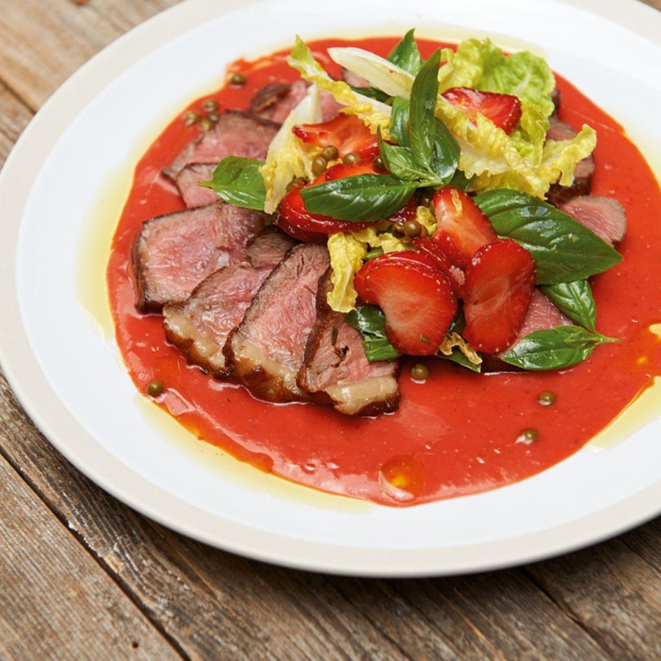 Steak mit Erdbeersauce