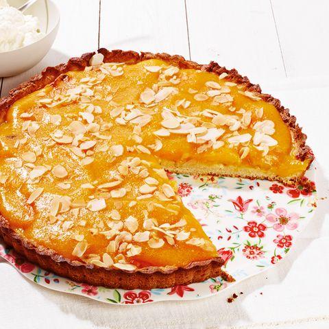 Aprikosen-Tarte mit Mandeln