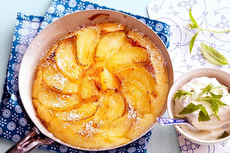 Apfelpfannkuchen mit Verbenensahne Rezept