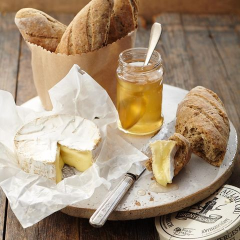 Camembert mit Cidre-Gelee und Pilzbaguette