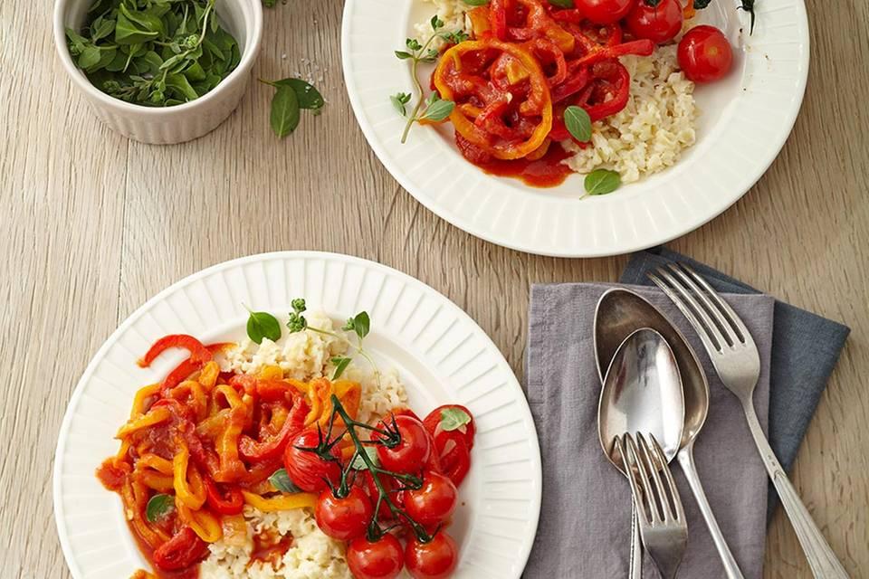 Paprika-Tomaten-Gemüse mit ungarischen Eiergraupen Rezept