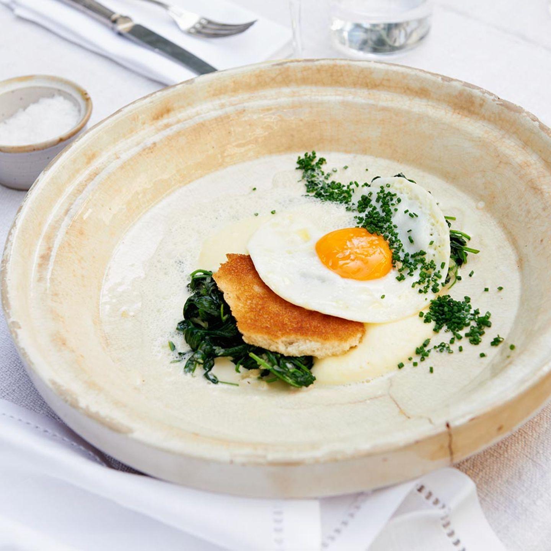 Kartoffelpüree mit Spinat und Senfsauce