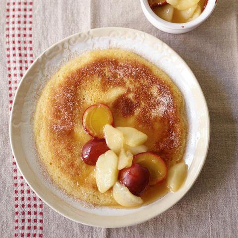 Hefepfannkuchen mit Kompott