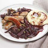 Bratwürste mit Rotwein-Schalotten