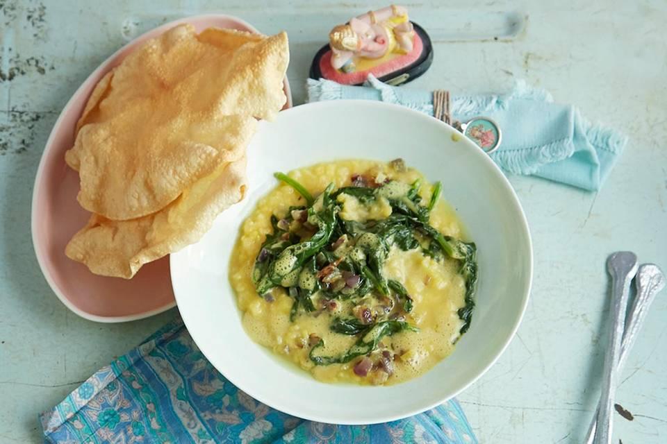 Spinat-Linsen-Dhal mit Papadams Rezept