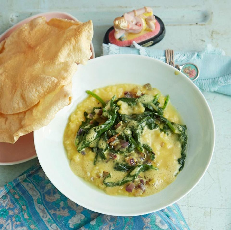 Spinat-Linsen-Dhal mit Papadams