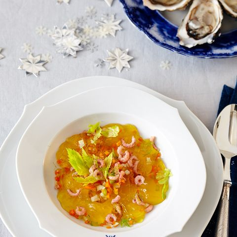 Gelierte Fischsuppe mit Krabben und Sylter Austern