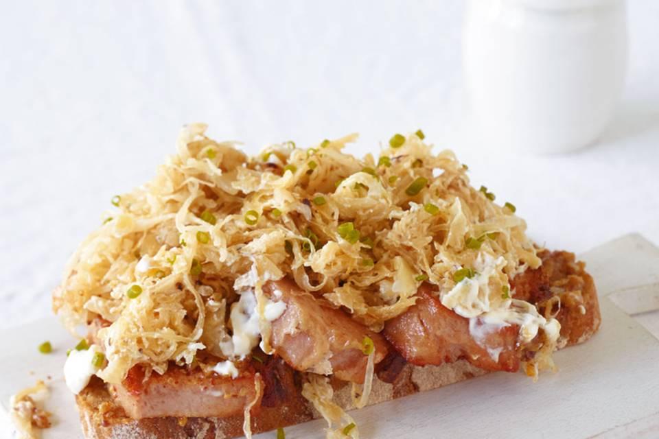 Leberkäsebrot mit Sauerkraut Rezept