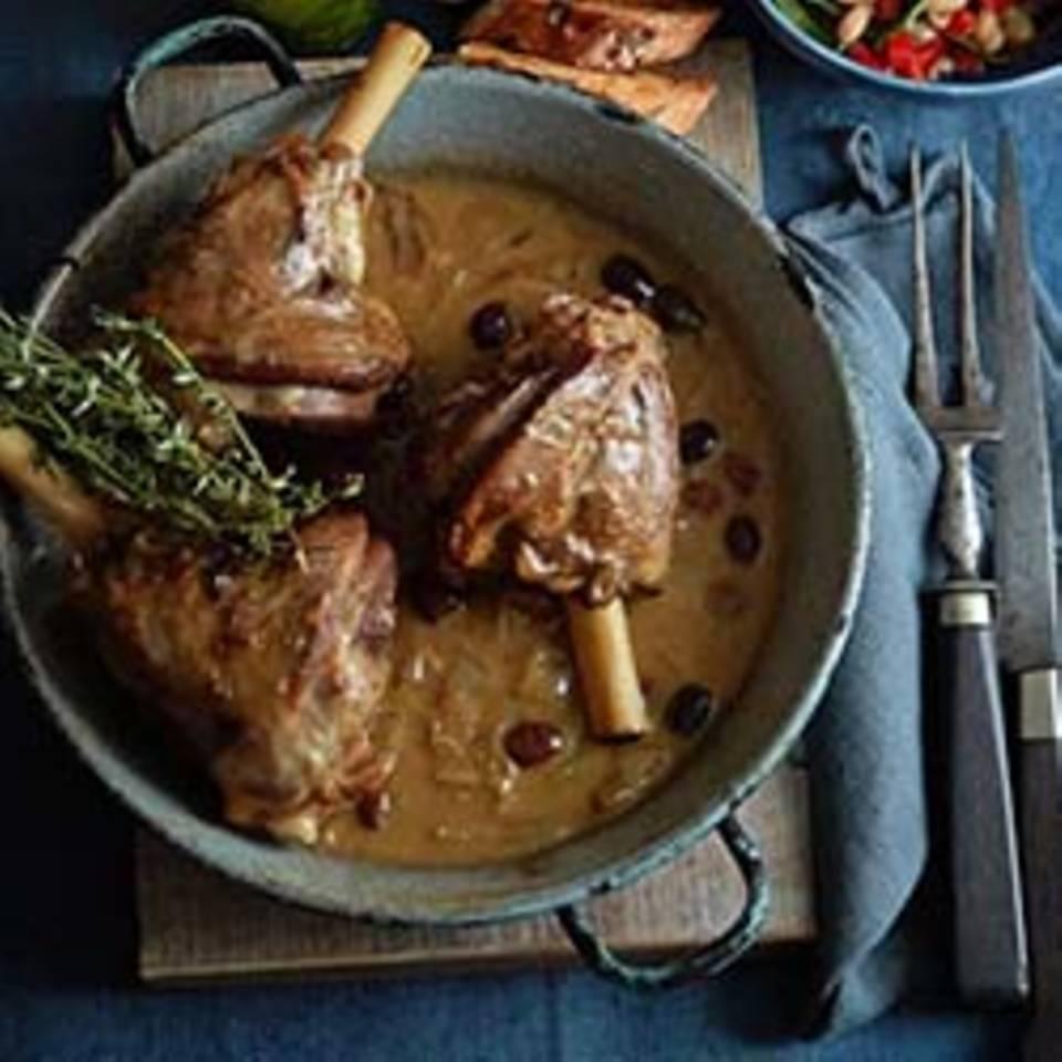 Lammhaxen mit Oliven und Bohnensalat Rezept