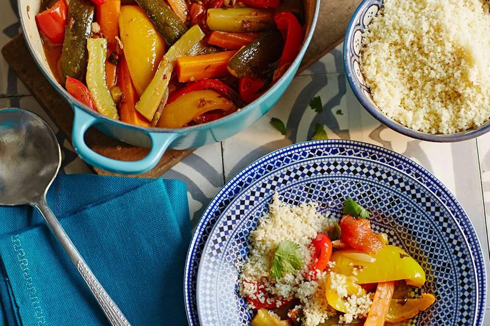 Gemüse-Couscous mit Datteln Rezept