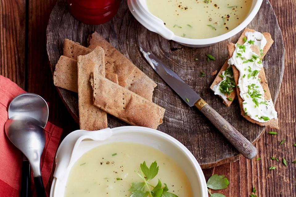 Kartoffel-Liebstöckel-Suppe Rezept