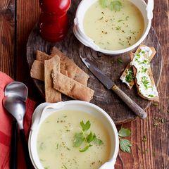 Kartoffel-Liebstöckel-Suppe