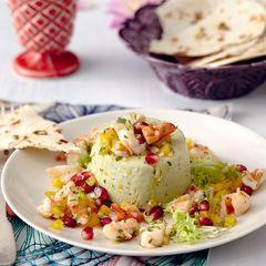 Avocadoterrine mit Garnelen-Salsa