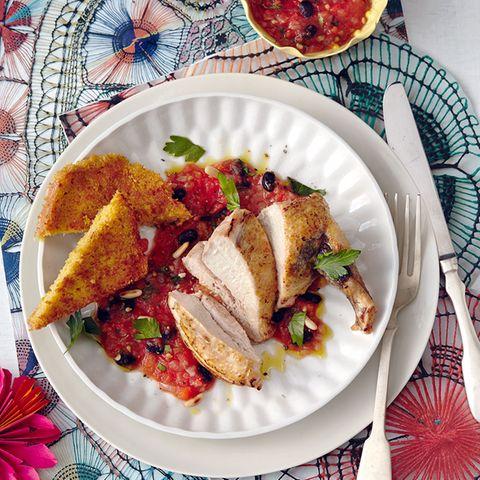 Perlhuhnbrust mit Tomaten-Bohnen-Salsa