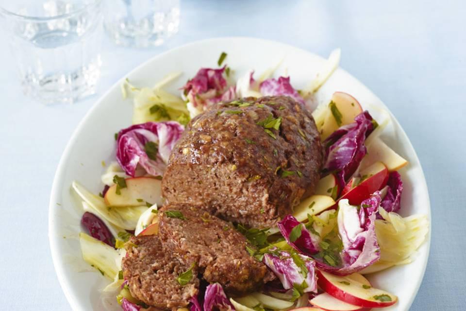 Hackbraten mit Fenchel-Radicchio-Salat Rezept