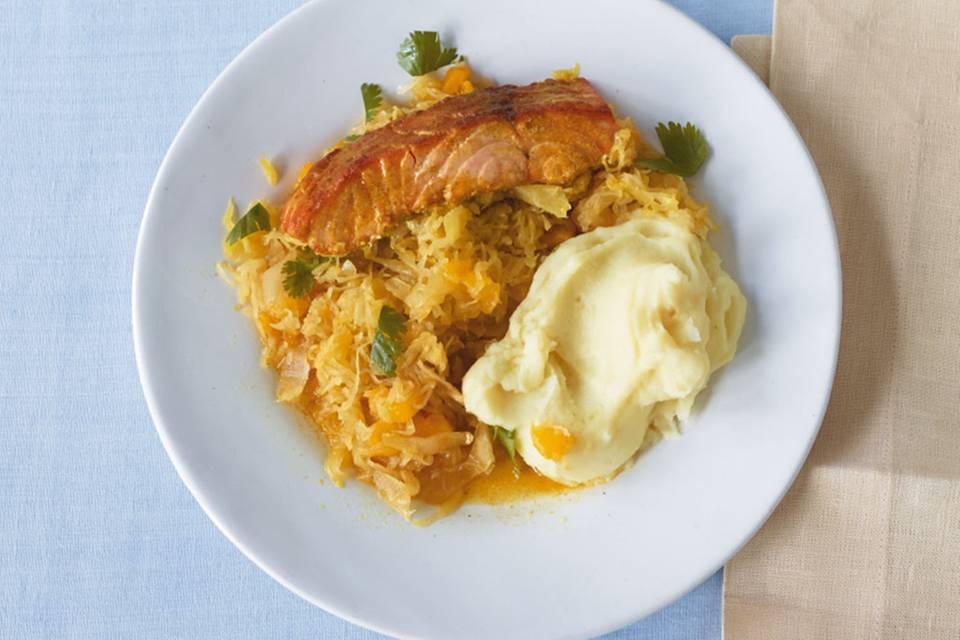 Lachs mit Mango-Sauerkraut Rezept