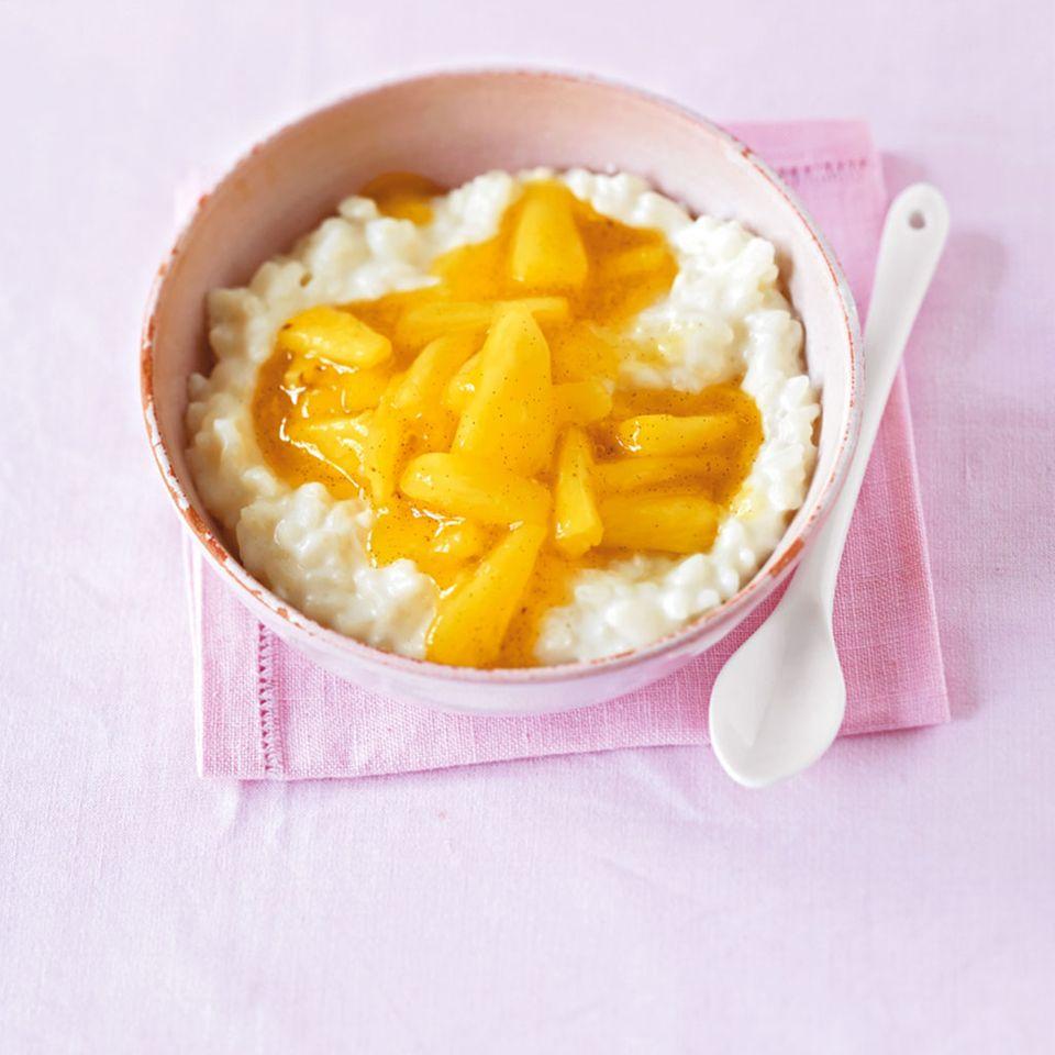 Kokos-Milchreis mit Ananas