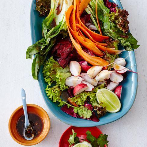 Frühling: knackige Salate