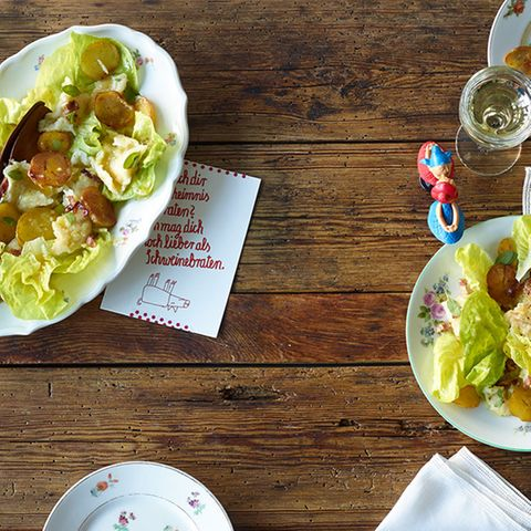 Verheiratete mit grünem Salat