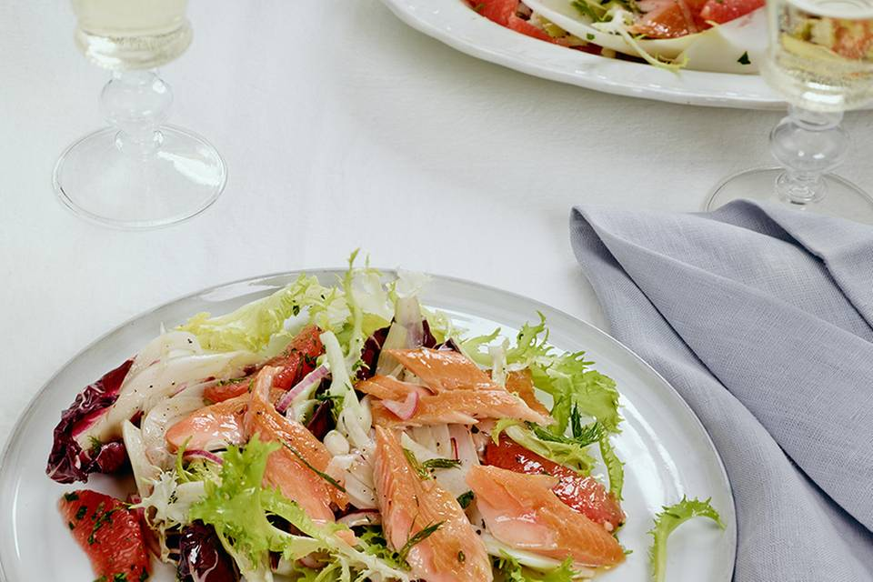 Geräucherte Lachsforelle mit Salat Rezept