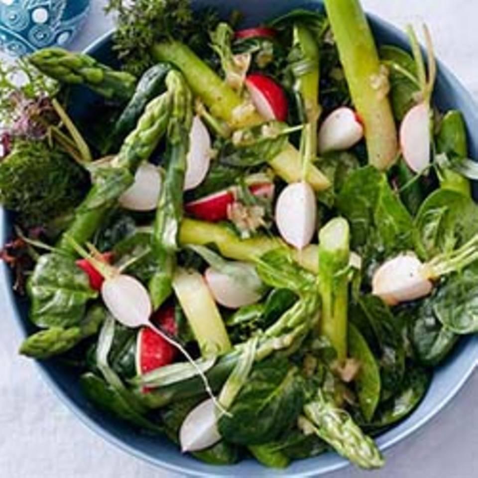 Spargel-Spinat-Salat mit Estragon-Vinaigrette Rezept