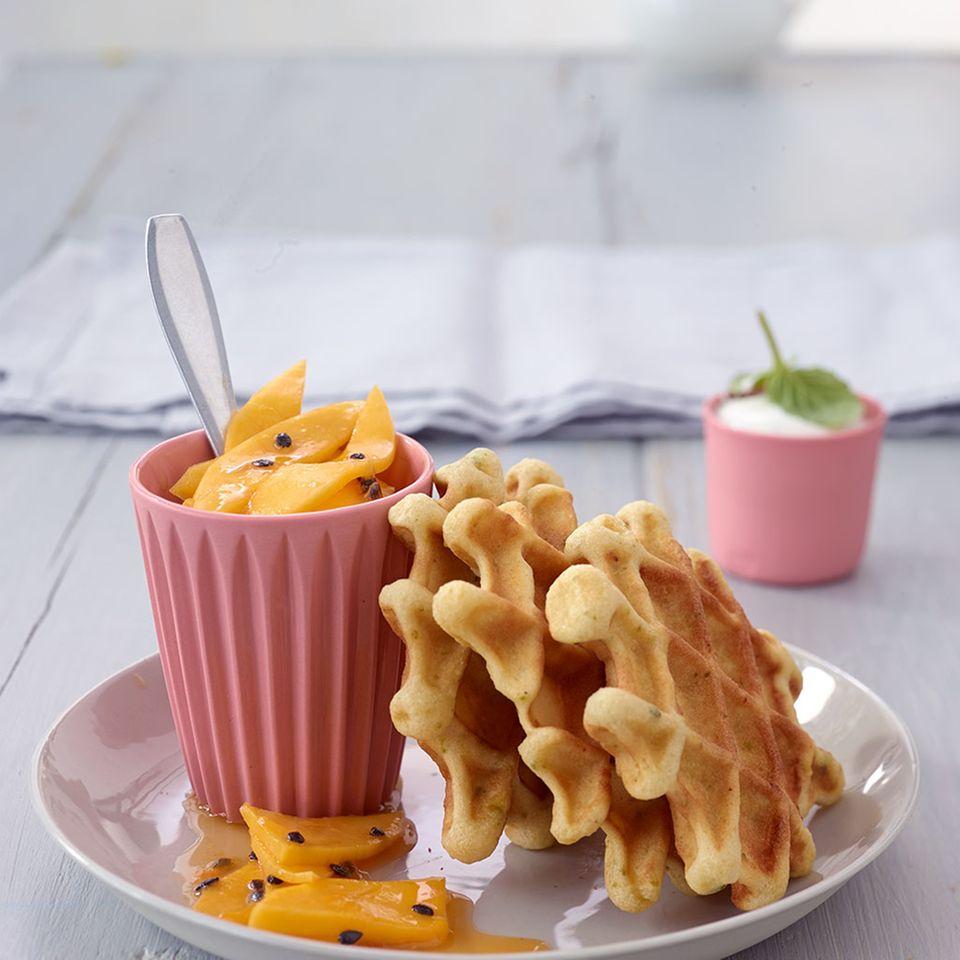 Chai-Waffeln mit Mangosalat