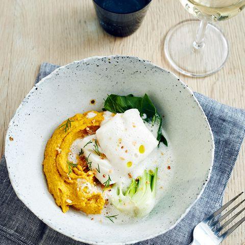Kabeljau mit Möhren-Hummus und Pak-choi