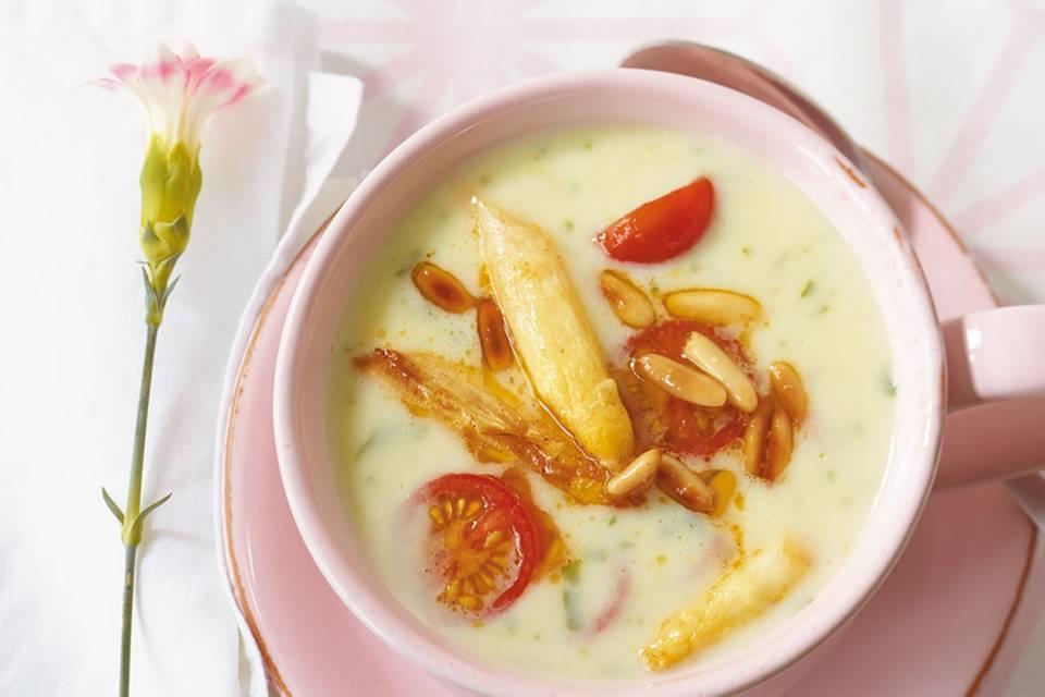 Spargel-Basilikum-Suppe Rezept