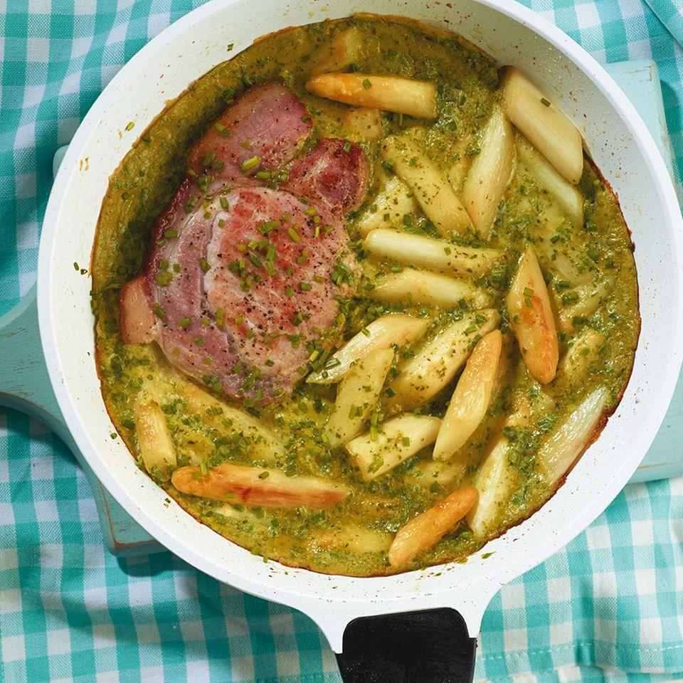Spargel-Kräuter-Frittata mit Kasseler