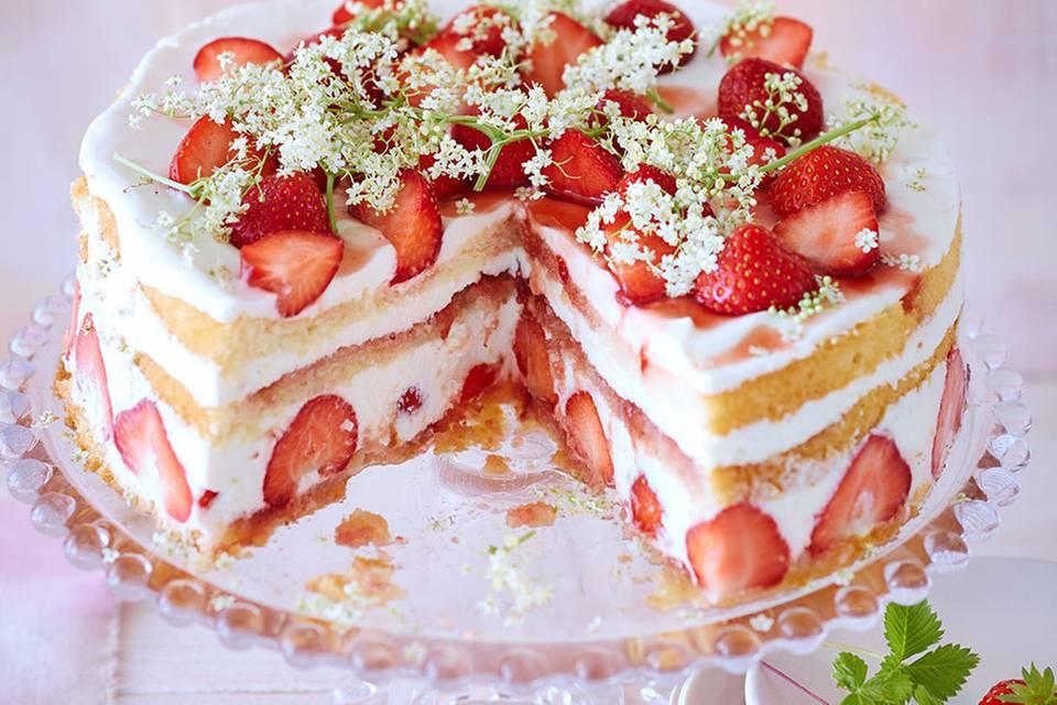Erdbeer-Holunderblüten-Torte Rezept