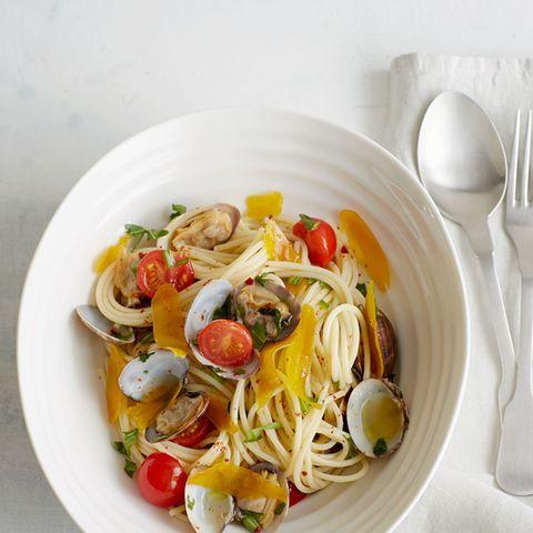 Spaghetti mit Bottarga und Venusmuscheln
