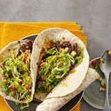 Chili-Hack-Wrap mit Avocado-Melonen-Salsa