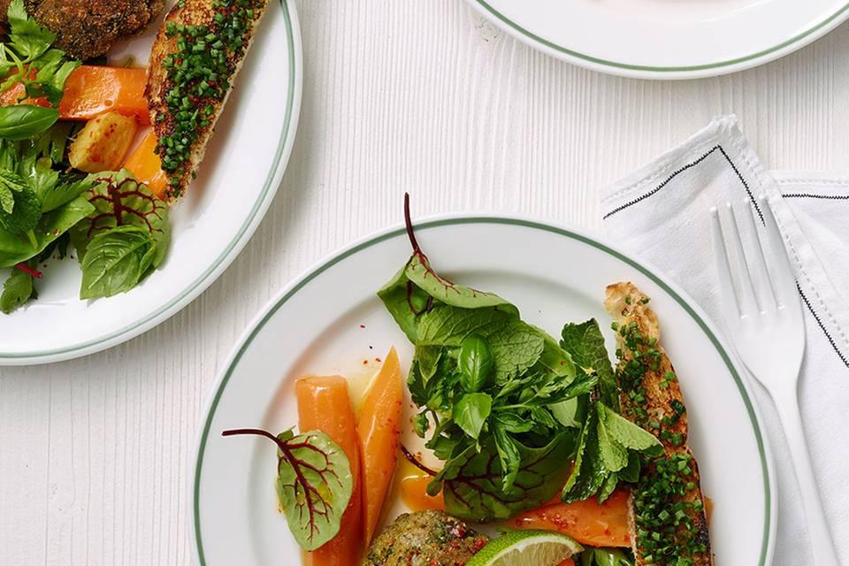 Ampfer-Minz-Salat mit Möhren Rezept
