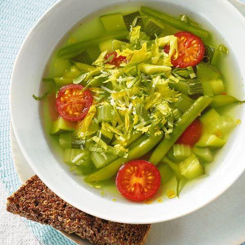 Sommerlicher Gemüseeintopf