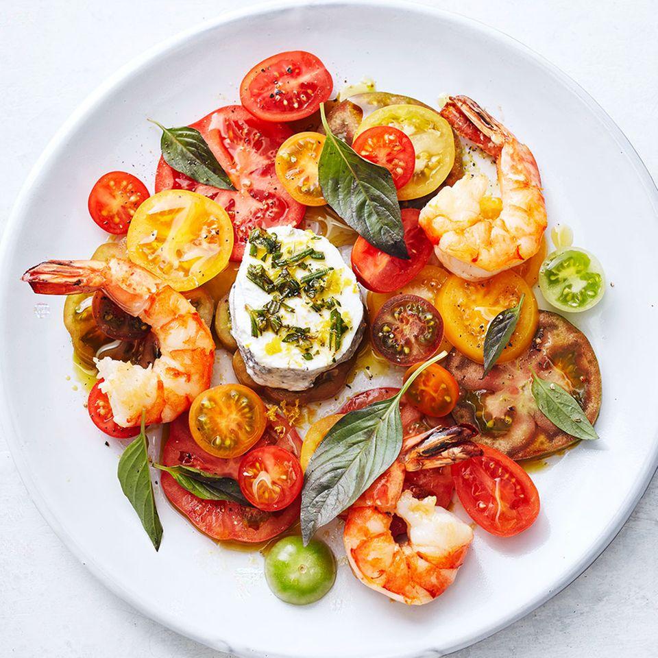 Tomatensalat mit Garnelen