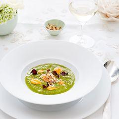 Kalte Gurken-Apfel-Suppe mit Jakobsmuschel