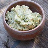 Käse-Sardellen-Butter