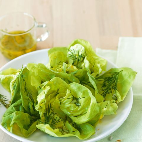 Kopfsalat mit Dill-Senf-Dressing