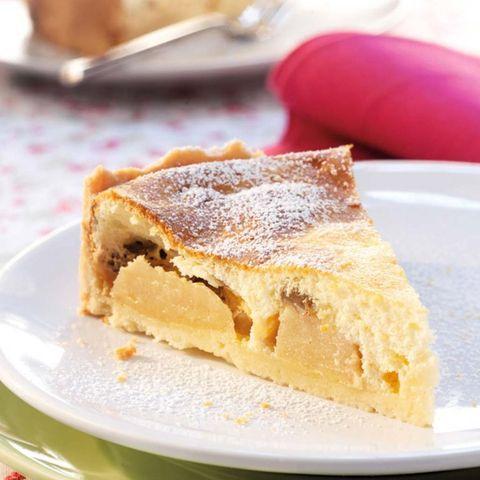 Quark-Kuchen mit Äpfeln und Rosinen