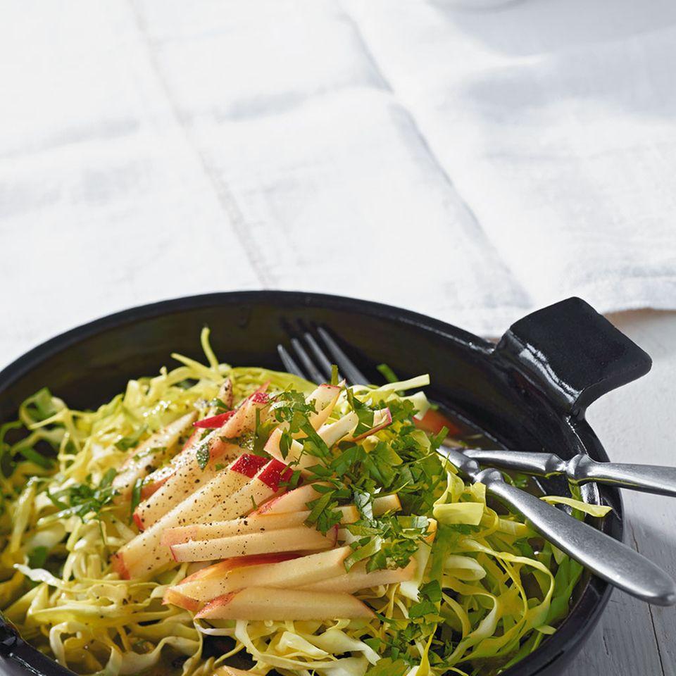 Apfel-Spitzkohl-Salat