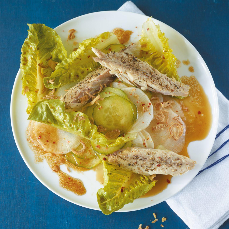 Gurken-Rettich-Salat mit Makrele