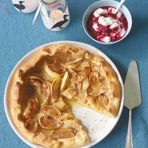 Apfel-Tarte mit Himbeerschmand