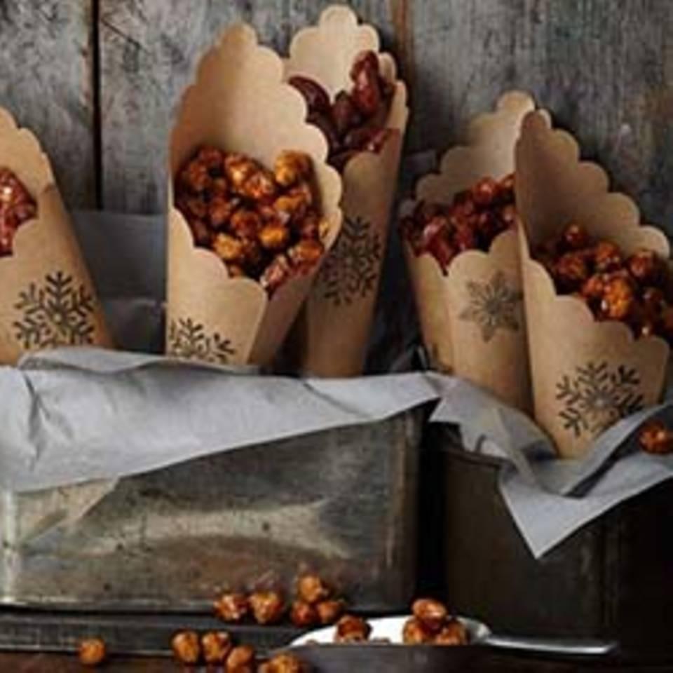Gebrannte Tonka-Orangen-Nüsse Rezept